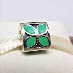 790437en03 Retired Pandora 4 petal green enamel